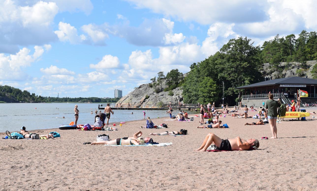 Ispoisten uimaranta rantanäkymä