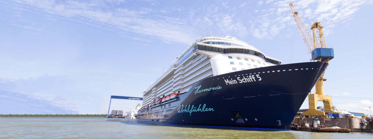 Kuva Mein Schiff -aluksesta Turun telakalla
