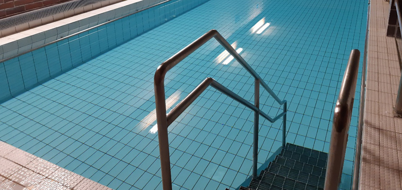 Paattisten aluetalossa on pieni uima-allas.