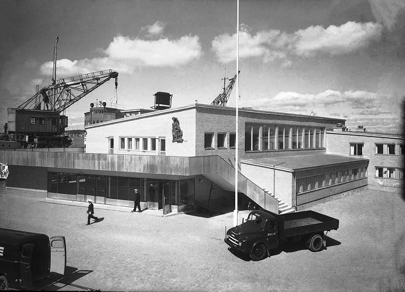 Turun sataman matkustajapaviljonki. Turun Sanomat, 1950-luku. TMK, valokuvakokoelmat.