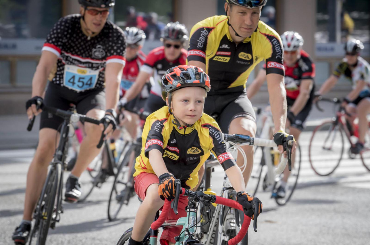 Turku Touring Pyöräily 2017 poika johtaa joukkoa