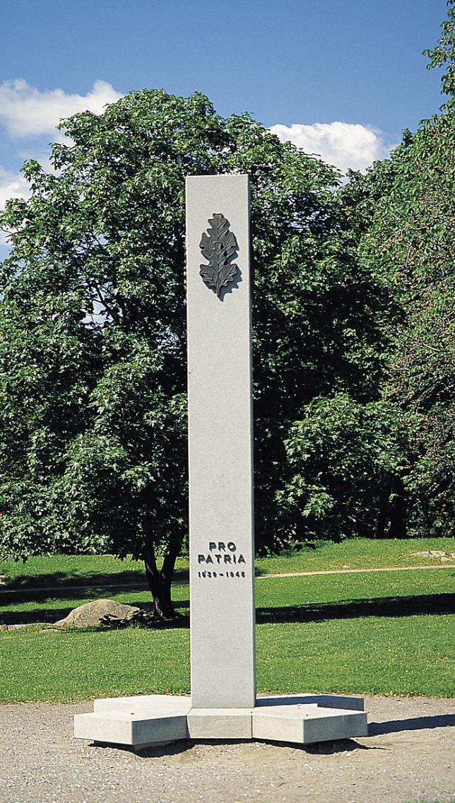 Turun sotaveteraanien muistomerkki Samppalinnan puistossa