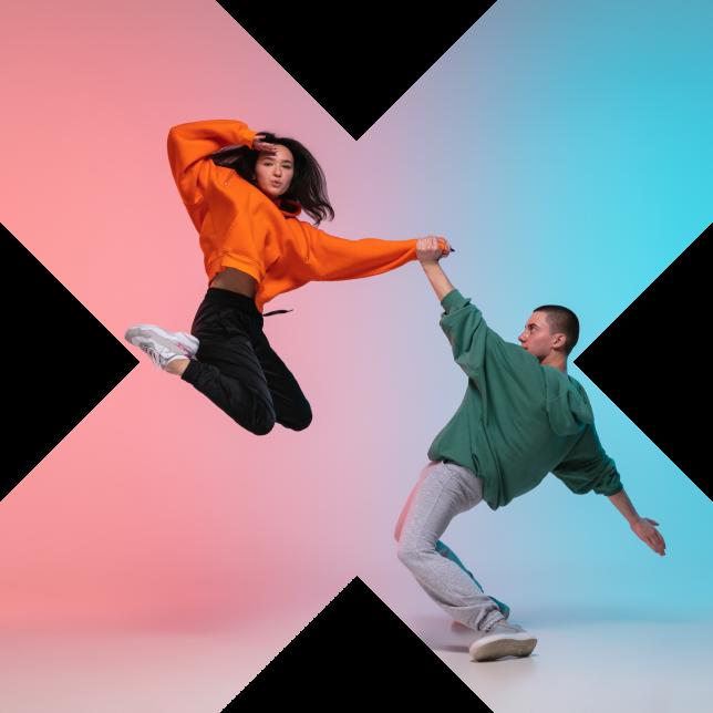 Nainen ja mies sijoitettuna Turku Centerin logosta tutun x-muodon sisään