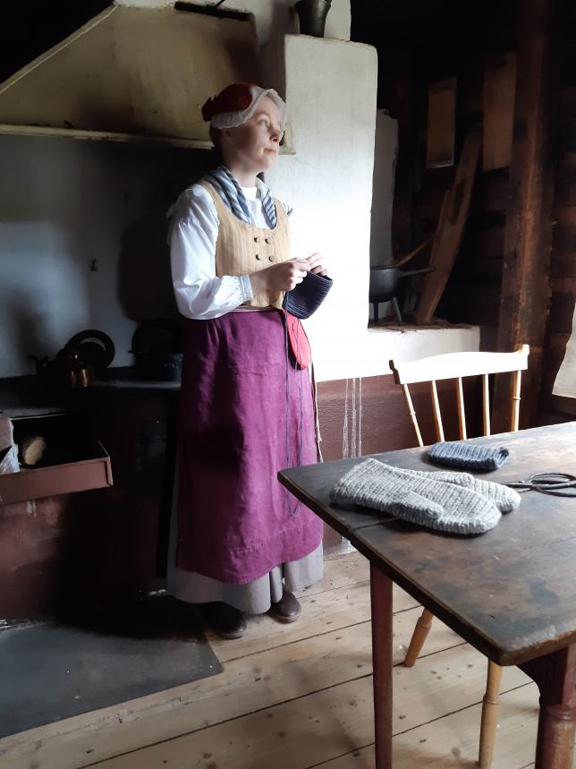 Neulakintaantekijä Luostarinmäen museossa