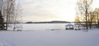 Ahtelan leirikeskus, ranta talvella helmikuussa