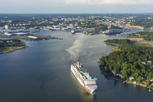 Turun satama ja Baltic Princess