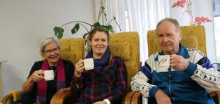 Kuvassa Eeva-Liisa Hemilä-Martikainen, Roosa-Mari Neitola ja Mikko Vuorinen.