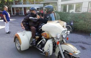 Moottoripyörämiehen syysajelu