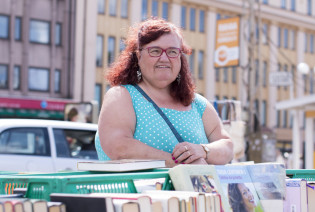 Kirjamyyjä Maire
