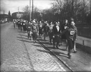 TUPI:n propagandakävelykilpailu. 1938.