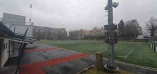 Parkin kenttää kastellaan sadettimilla.