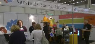 Varsinais-Suomen kirjastojen osasto Turun kirjamessuilla 2014