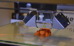3D-tulostin toiminnassa