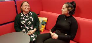 Kohtaamiskouluttaja Vanessa Peitilä ja Työpisteen urasuunnittelija Minja Vaherkylä