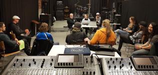 Rock Academyn palaveri Turussa, Doug Blair