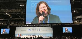 Minna Arve kertoo Madridissa COP25-paneelikeskustelussa kaupungin sitoutumisesta hiilineutraalisuuteen