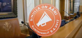 Oskar Karlsson kävi Turun kaupungintalolla selvittämässä, mitä kaupunginvaltuustossa oikein tehdään