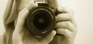kamera ja kuvaaja lähikuvassa