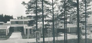 Runosmäen kirjasto ja koulu