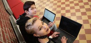 ICT-lukiolaiset Miska Kytö ja Jasmin Heino