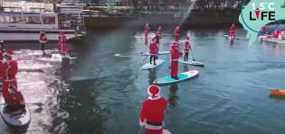 Suppaavat joulupukit Jokohamassa