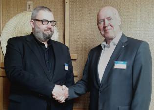 Alvar Aalto -säätiön johtaja Tommi Lindh ja kaupunkisuunnittelujohtaja Timo Hintsanen Alvar Aallon kotitalossa