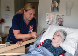 Varahenkilö vanhusten asumispalveluissa