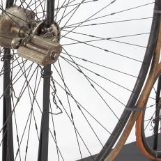 Yksityiskohta Henningin polkupyörästä. Kuva Mikko Kyynäräinen, TMK