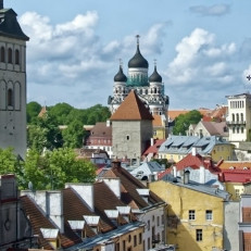 Virolaisen kirjallisuuden lukupiirin kuvituskuva, valokuva virolaisesta kaupunkimaisemasta
