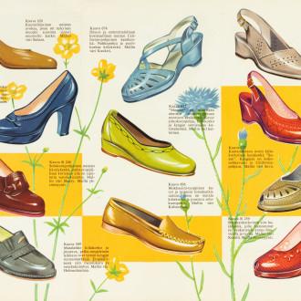 Erilaisia avokkaita ja korkokenkiä vuoden 1956 mainoksessa. Väreinä sininen, violetti, keltainen, vihreä, punainen ja beige.