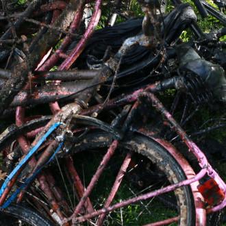 Turun päivänä Aurajoesta nostettuja polkupyöriä
