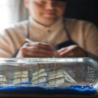 Pullolaivantekijä Luostarinmäellä