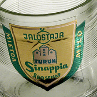 Jalostajan sinappilasi, etiketissä Turun linna.
