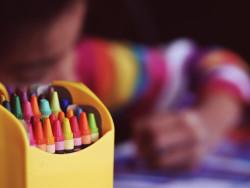 crayons-1209804_1920.jpg