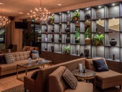 radisson_blu_marina_palce_hotel_lobby.jpg
