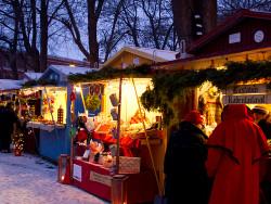 vanhan-suurtorin-joulumarkkinat_kuva-esko-keski-oja.jpg