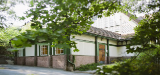 Turun biologinen museo sijaitsee Urheilupuiston kupeessa.