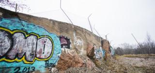 Graffiti- kivimuuri