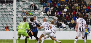 Inter TPS pelaamassa jalkapalloa