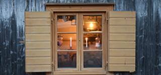 Jouluinen ikkuna Luostarinmäellä