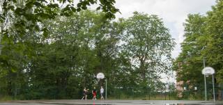 Urheilupuiston koripallokenttä