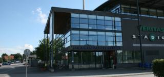 Liikuntapalvelukeskuksen asiakaspalvelu on Kupittaalla Veritas-stadionin päädyssä