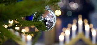 Joulukuusen pallo