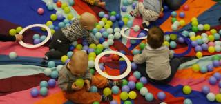 Seikkailupuiston Pikku Sirkus on vauvojen ja taaperoiden oma sirkusryhmä