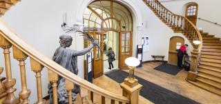 Vanhan kirjastotalon portaikko
