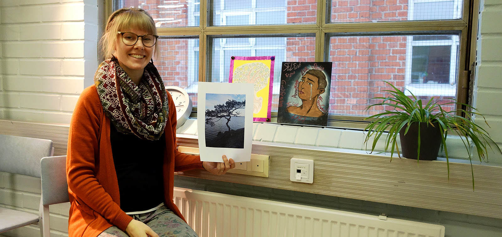Yksilövalmentaja Anni-Veera esittelee kuvia