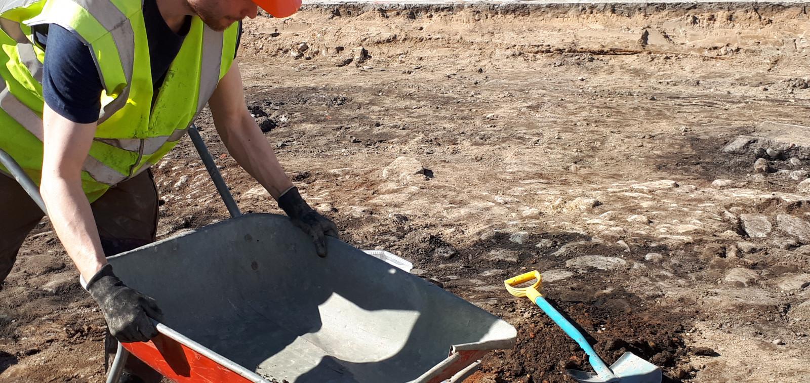 Arkeologiset kaivaukset kauppatorilla