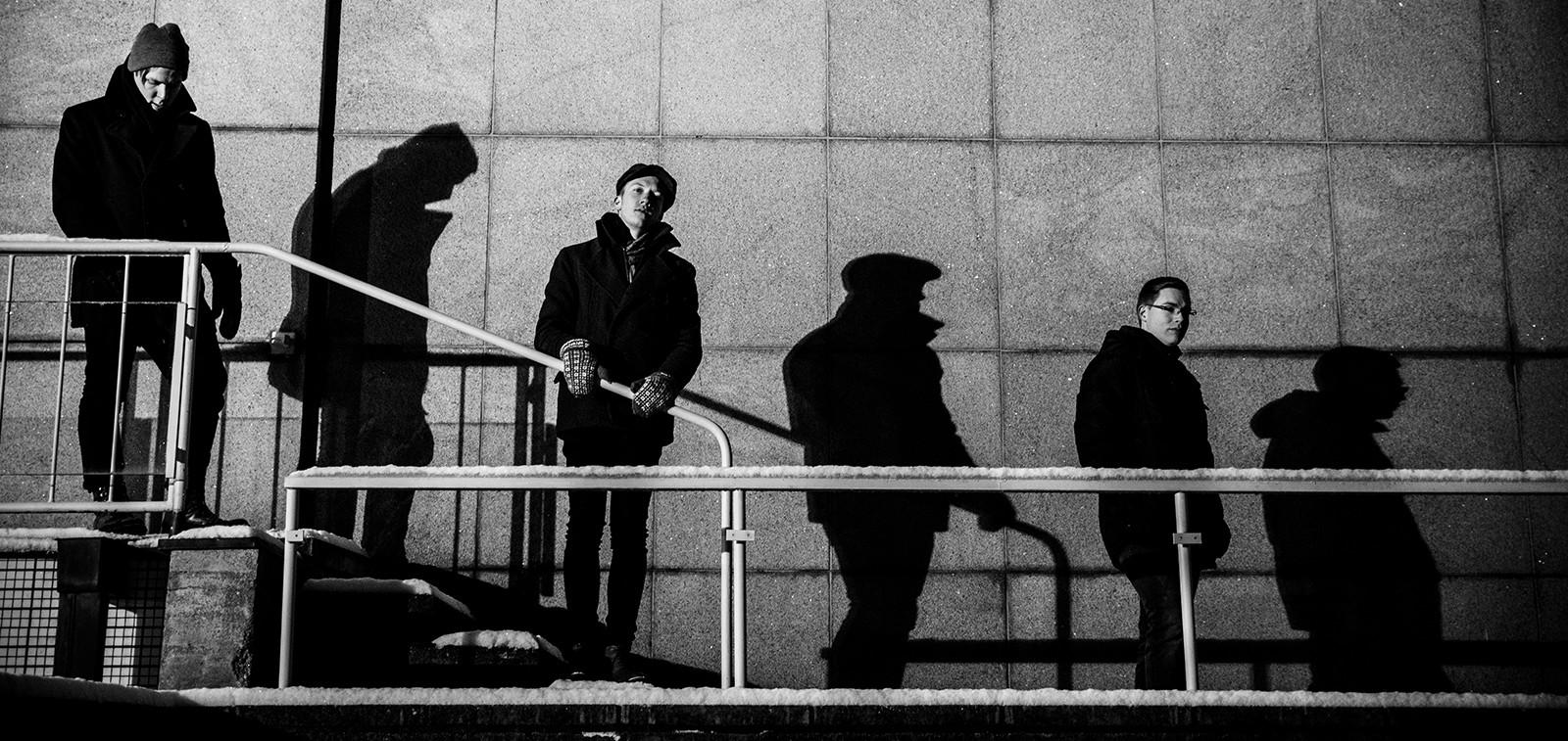 Juha Kurrin valokuvanäyttely Kalpeat varjot -yhtye