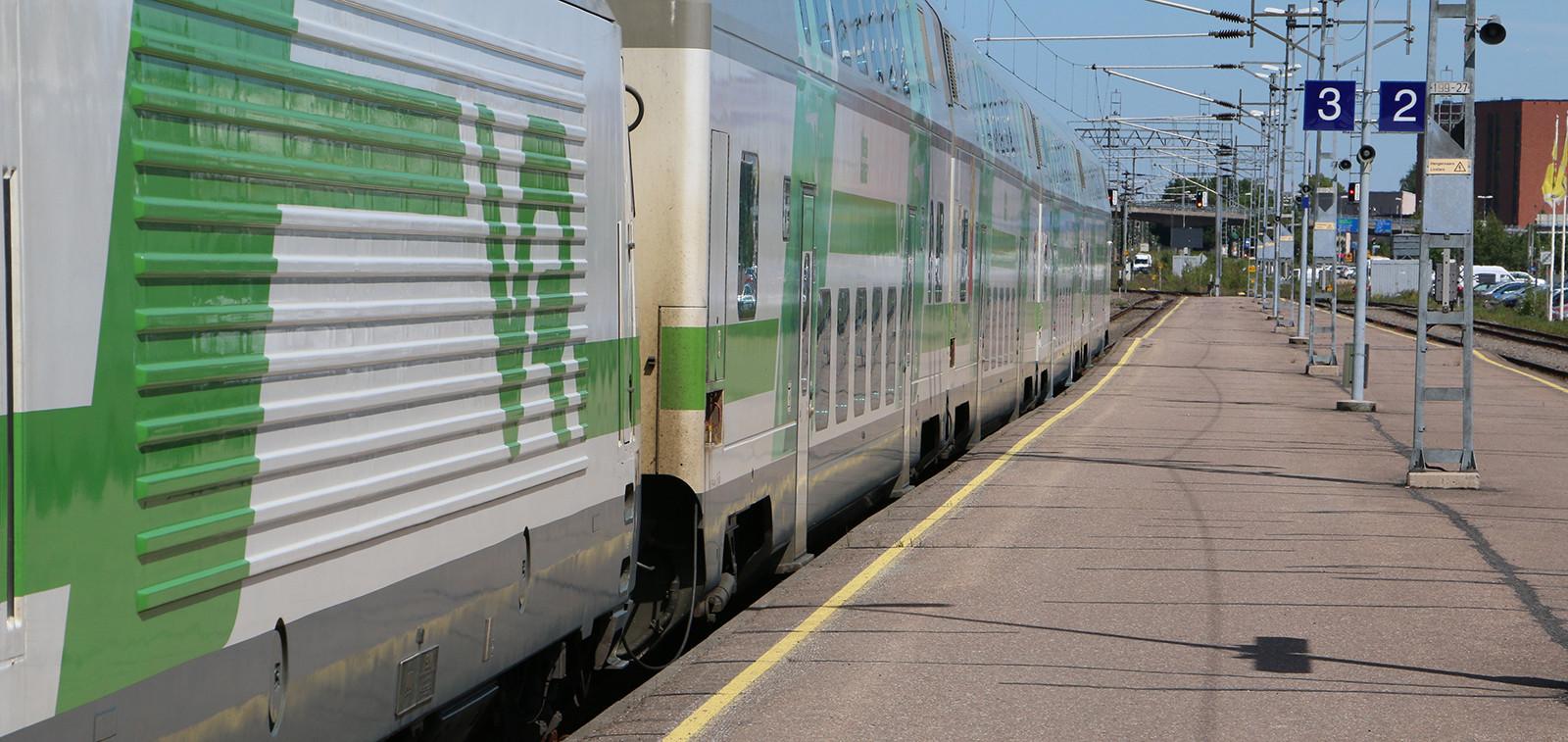 Juna Turun rautatieasemalla