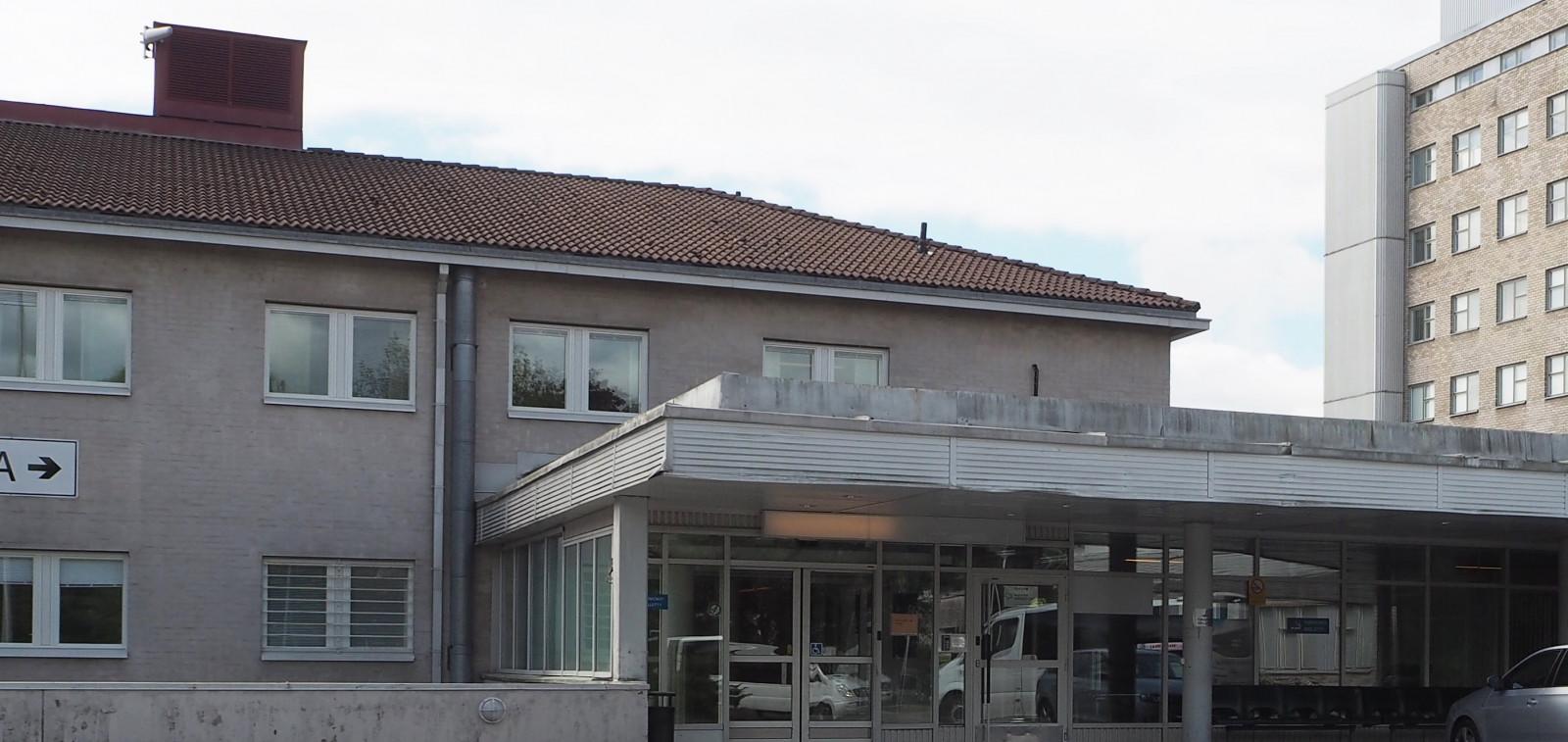 Kaupunginsairaala Vanhan päivystyksen sisäänkäynti